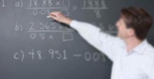 Atılan öğretmenler maaşının yarısını geri verecek