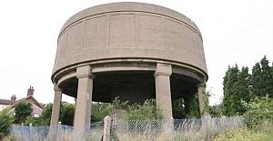Su kulesinden lüks rezidans yaptı
