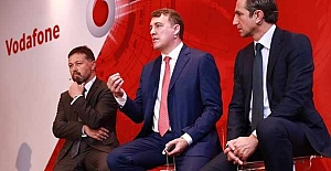 Bilişim yazarından flaş iddia! Vodafone, Türkiye'den de çıkar mı?