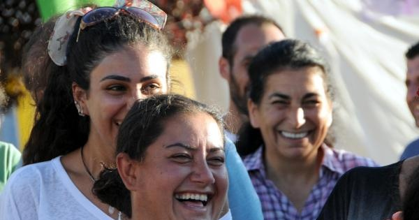 Tunceli'de Kadınlar Kahkaha Attı