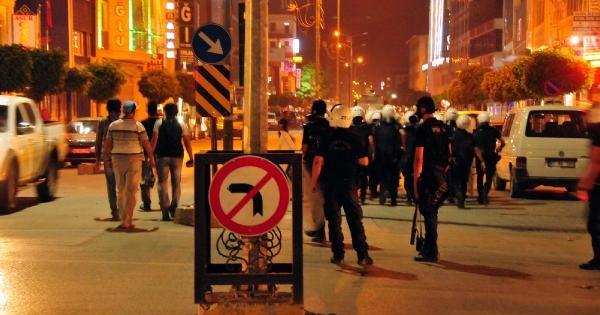 Van'da Işid Protestosunda Olaylar Çikti