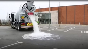 Suyu sünger gibi emebilen asfalt